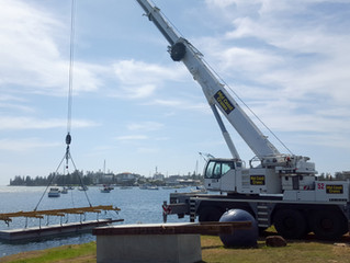 Port Macquarie Marina - Pontoon crane lift