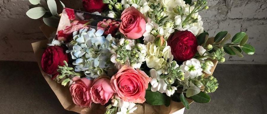La Tulipe - Light / 03 Пионовидные розы и Гортензия
