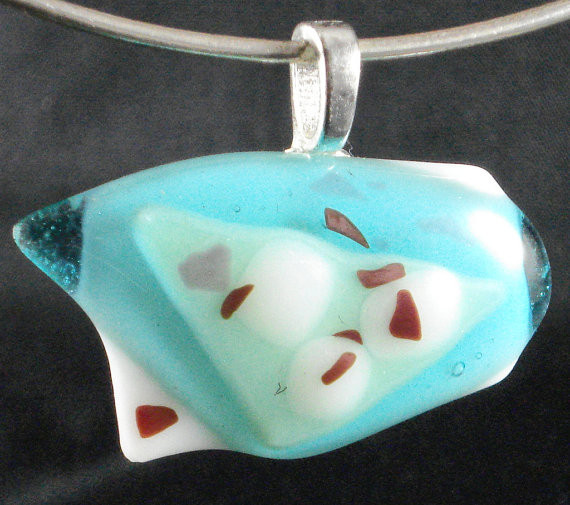 Blue and white Glass pendant with red glass flakes