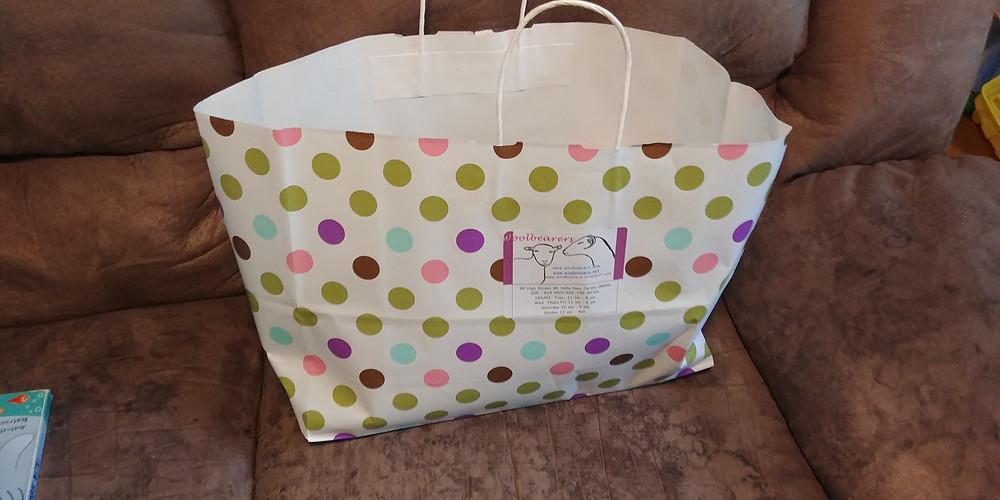 Bag with yarn goodies from Woolbearers