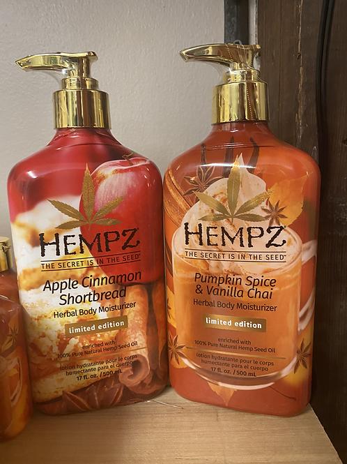 HEMPZ APPLE CINNAMON SHORTBREAD/ PUMPKIN SPICE & VANILLA CHAI LOTION (17oz)