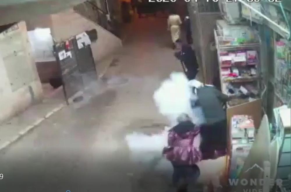תוצאות ההסתות ירי לעבר נשים וילדות בשוק מאה שערים
