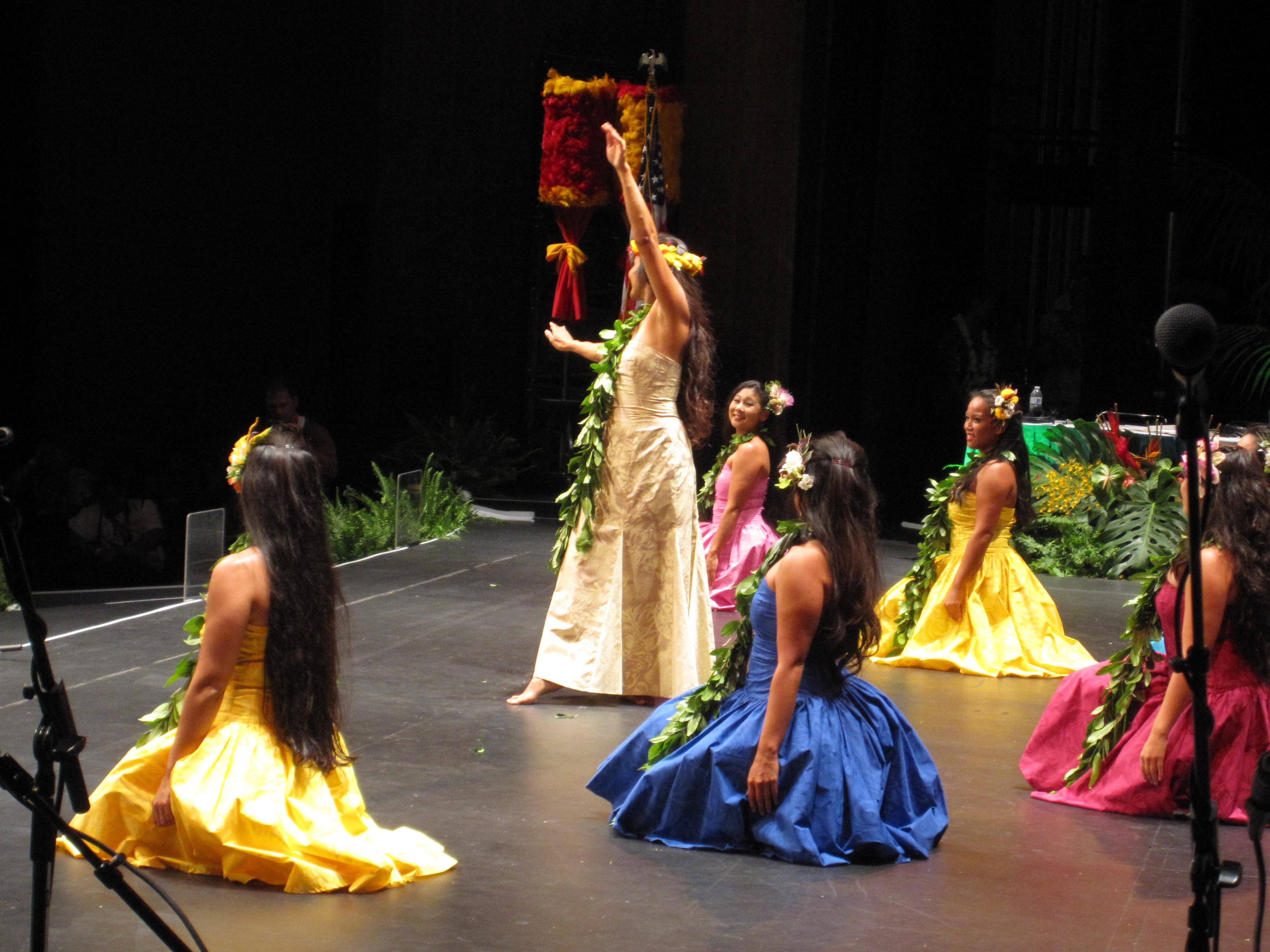 e hula mau tribute 2012