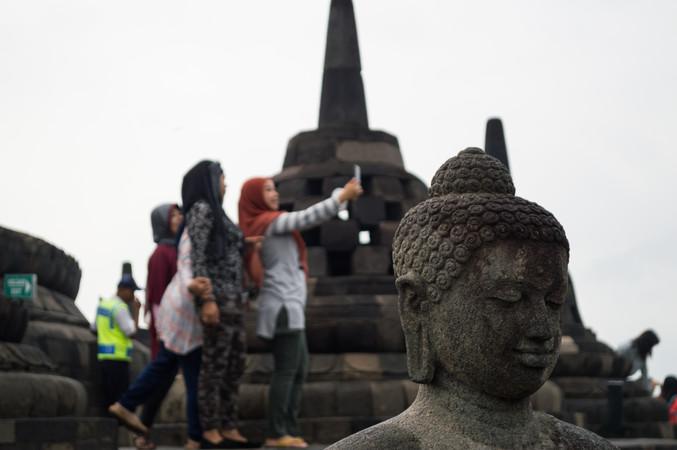 Borobudur, Java / Indonesia · 2015