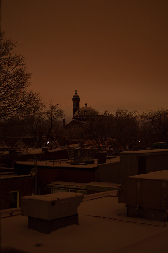 snow on roofs in Montreal during winter