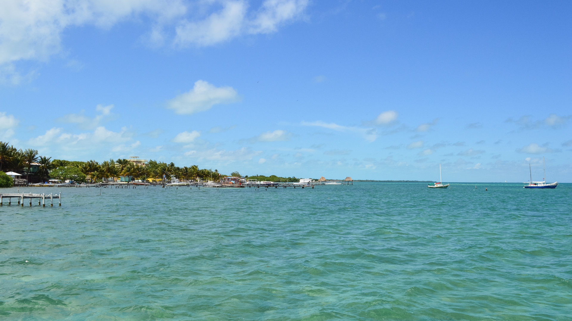 Oceanfront, Caye Caulker / Belize · 2014