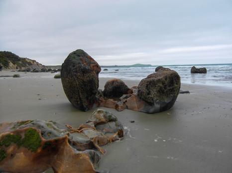 Moeraki Boulders Beach / New Zealand · 2009