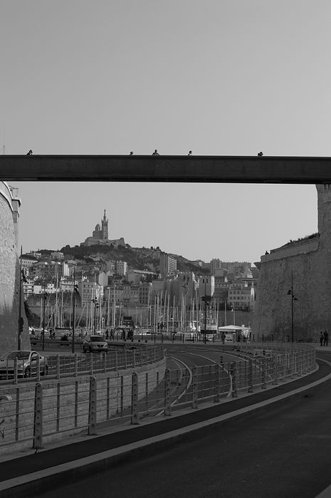 Black and white photo of Marseille, France