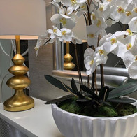 Orchids & Gold for a great entrance. ✨ #