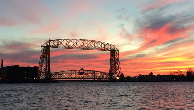 duluth-sunset-bridge.jpg
