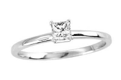 SOLITAIRE PRINCESS CUT