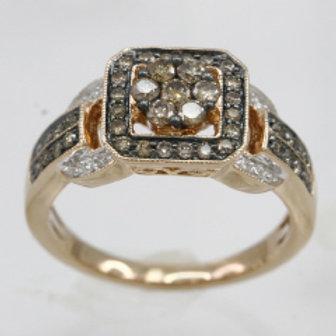 BROWN & WHITE DIAMOND CLUSTR RING