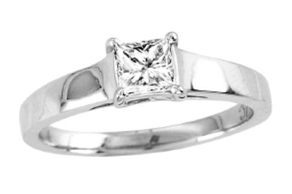 RINCESS CUT RAISED SOLITAIRE