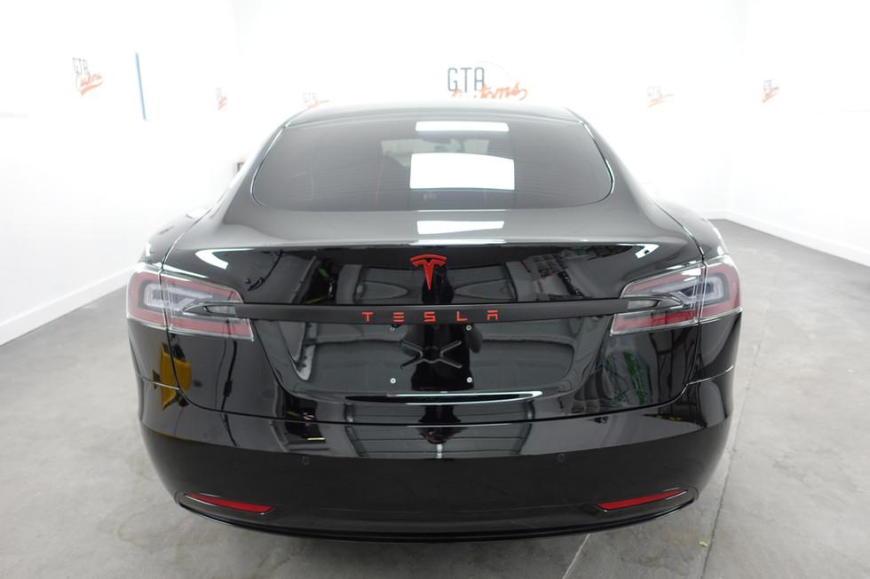 Tesla Black Out