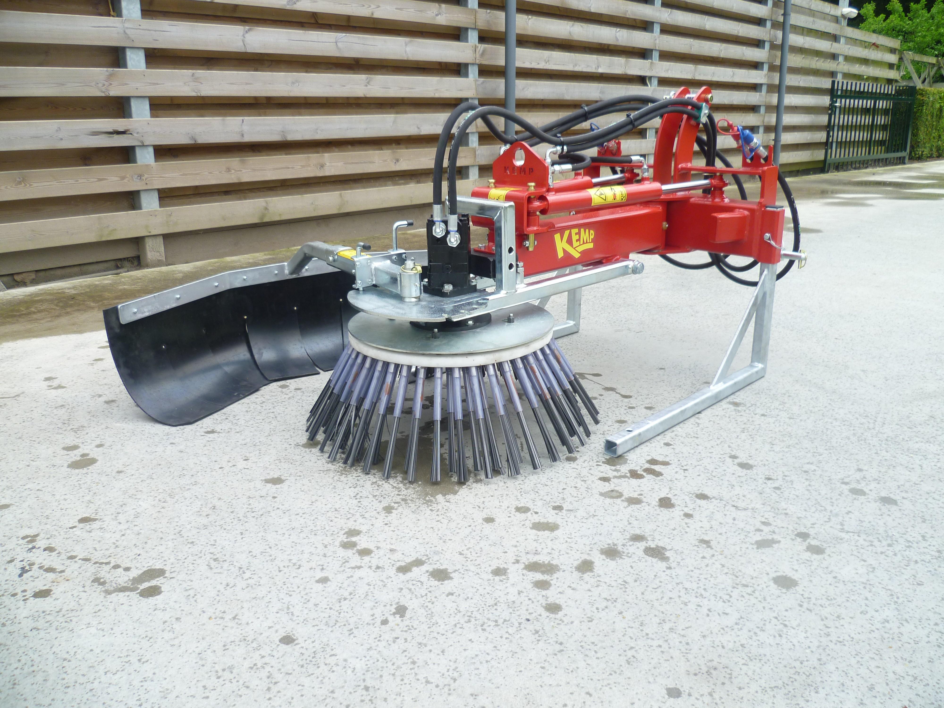 Ukrudtsbørste-Kemp-machines-1