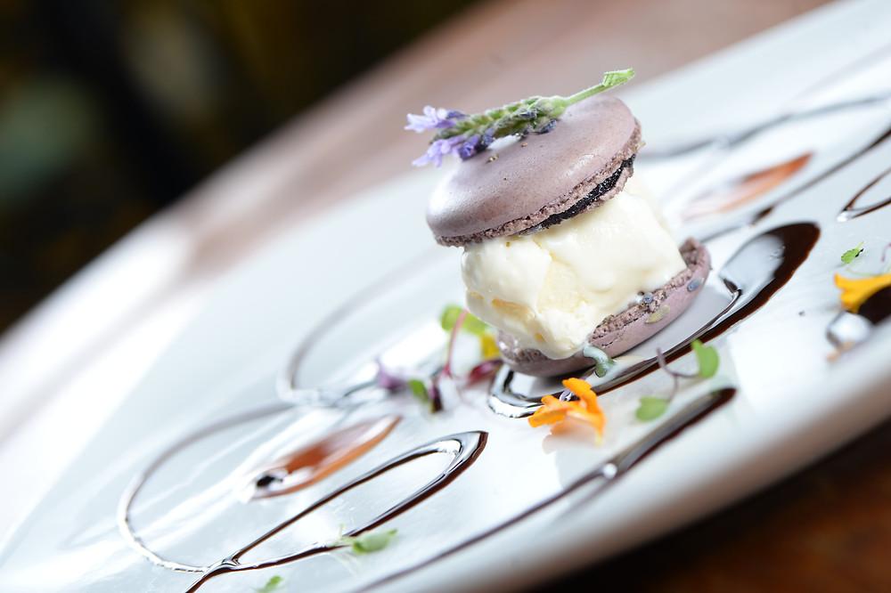 C'est La Vie Restaurant, Macaron Ice Cream