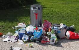 Abfalleimer überfüllt.jpg