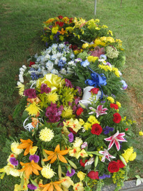 new grave flowers.JPG