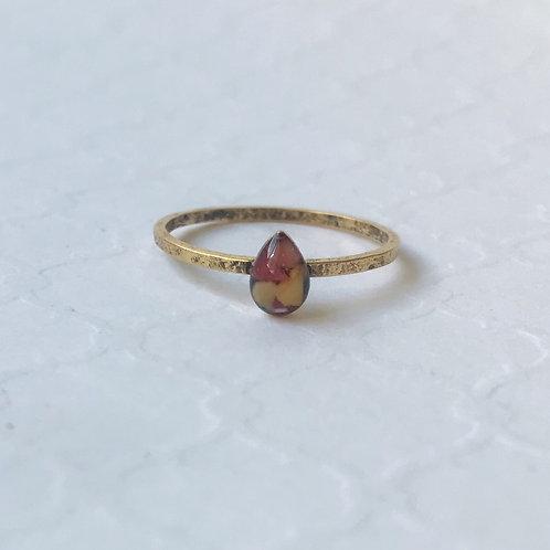 SZ 9 Sunset Teardrop Marine Debris Stone Jewelry Ring in Gold