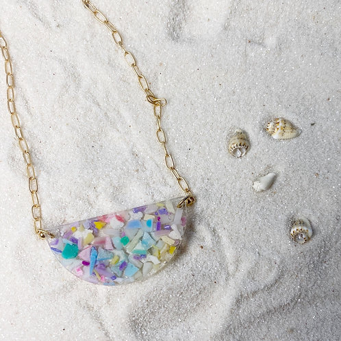 Hawaii Hemisphere Necklace in Gold