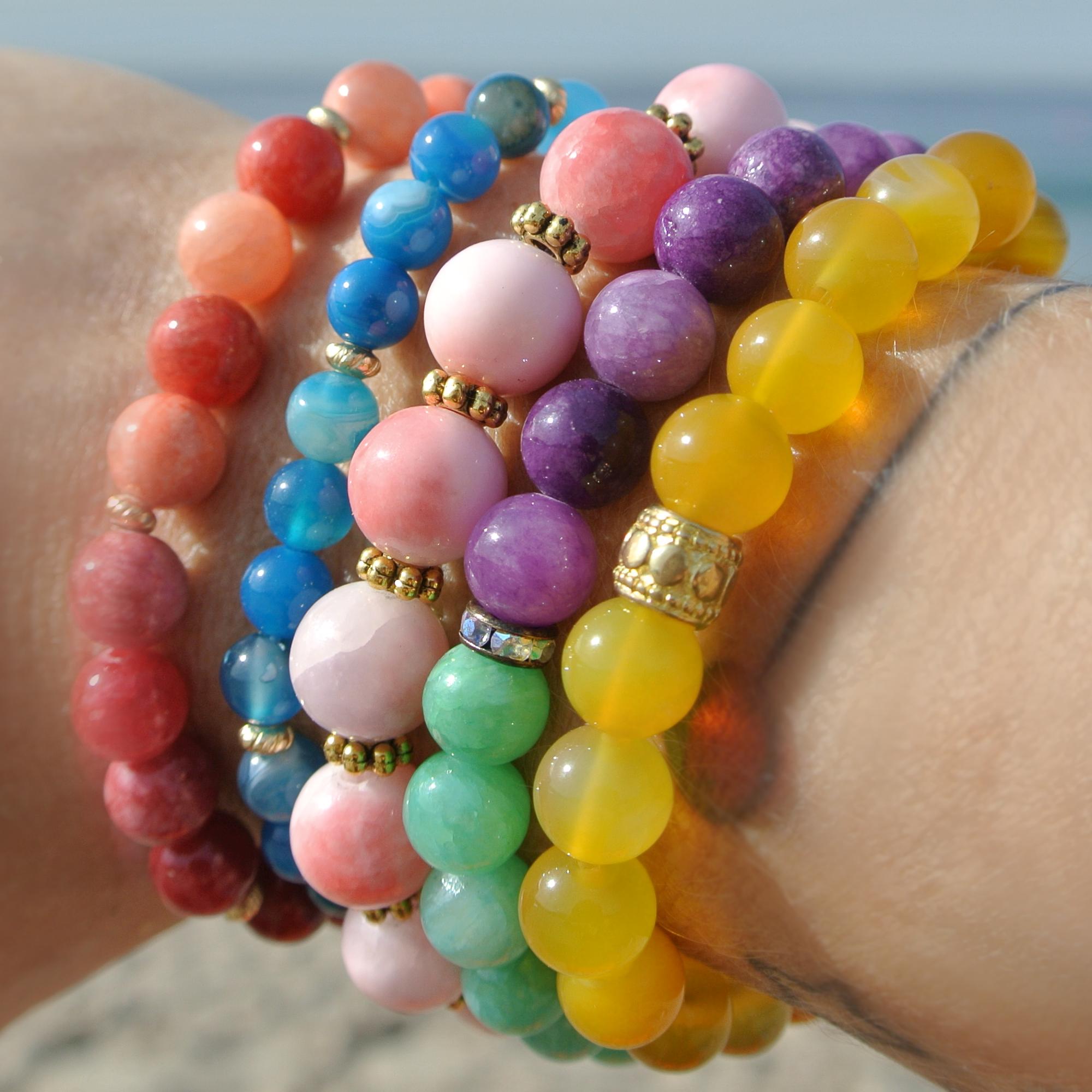 utilisation durable les plus récents divers styles Colorful Artist Semi Precious Stone Bracelet Set