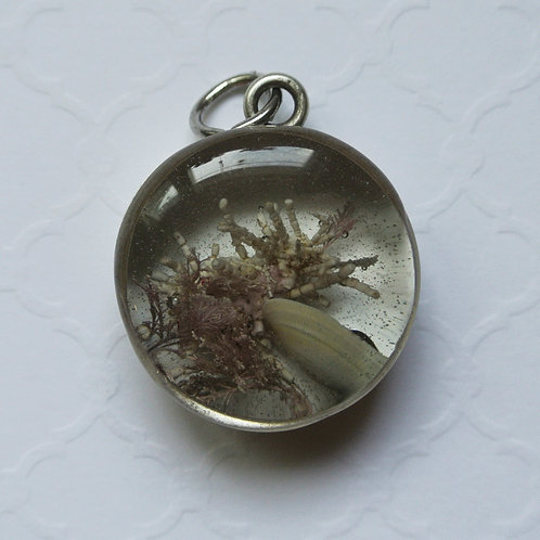 Tide Pool Pendant in Round, Deep, Silver 131