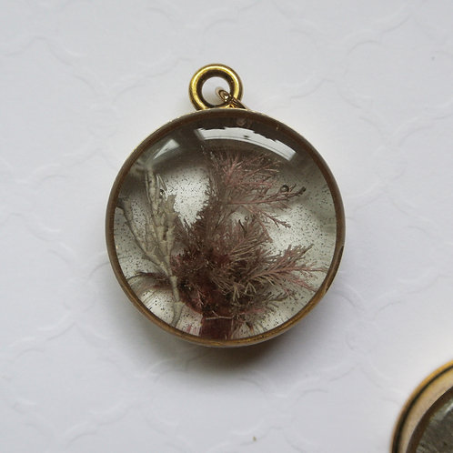 Tide Pool Pendant in Round, Deep, Gold #2A
