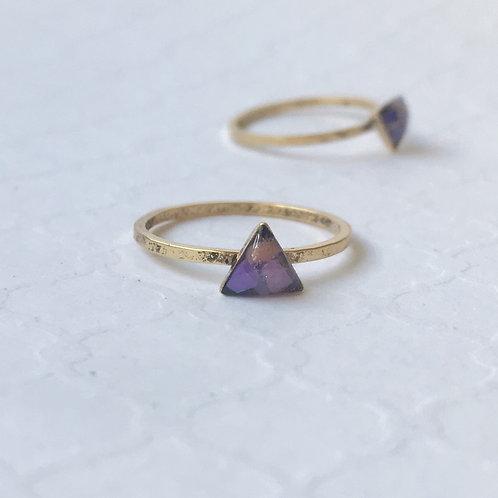 SZ 9 Purple Urchin Ocean Plastic Triangle Stone Ring in Gold