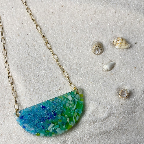 Shore Hemisphere Necklace in Gold