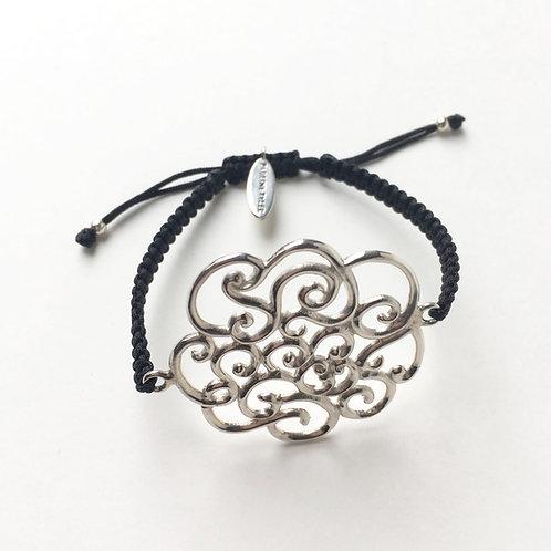 Coralie Blooming Macrame Bracelet