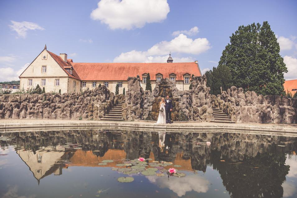 Teich | Kloster Haydau | Brautpaar