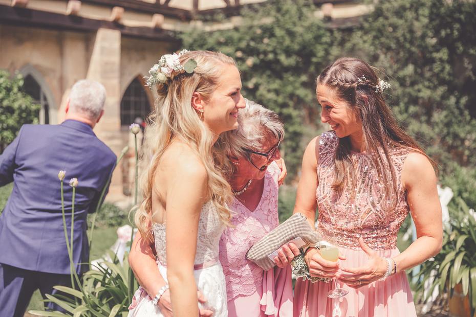 Brautmama   Trauzeugin   Sekt