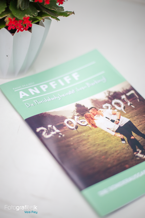 Fussball | Anpfiff | Hochzeitszeitung