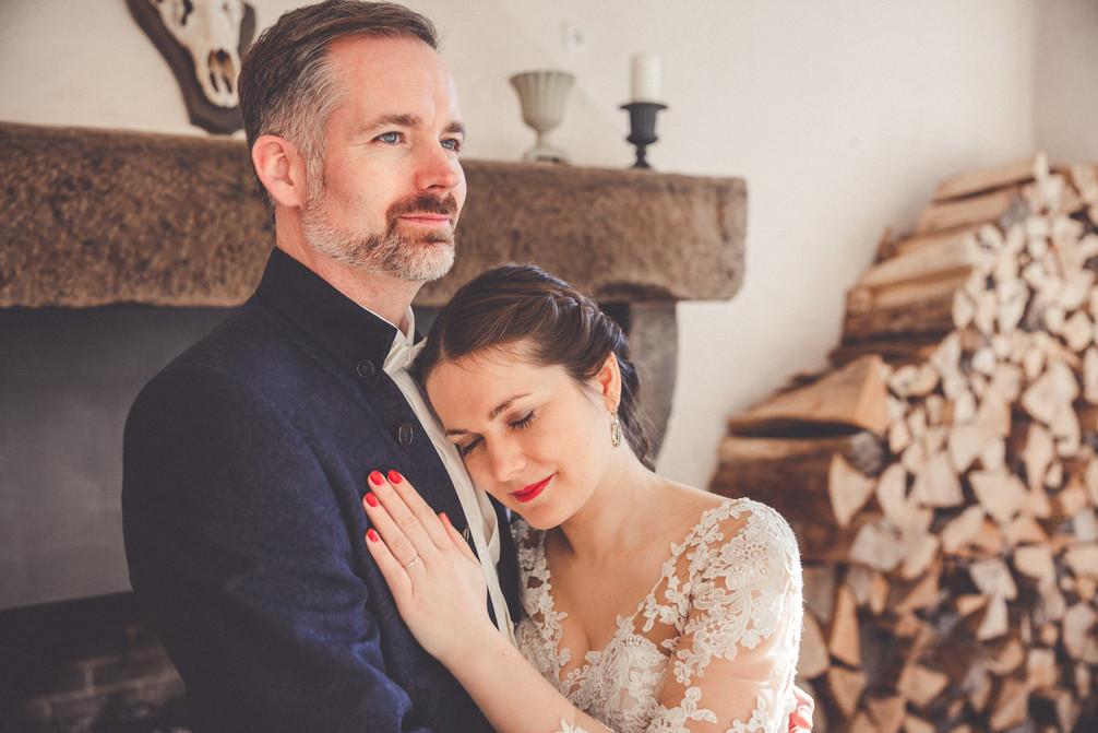 Schafstall | Kamin | Brautpaar