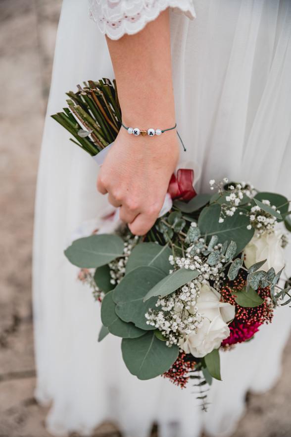 Hochzeitsfoto-Detail-Armband-Bratstrauß-