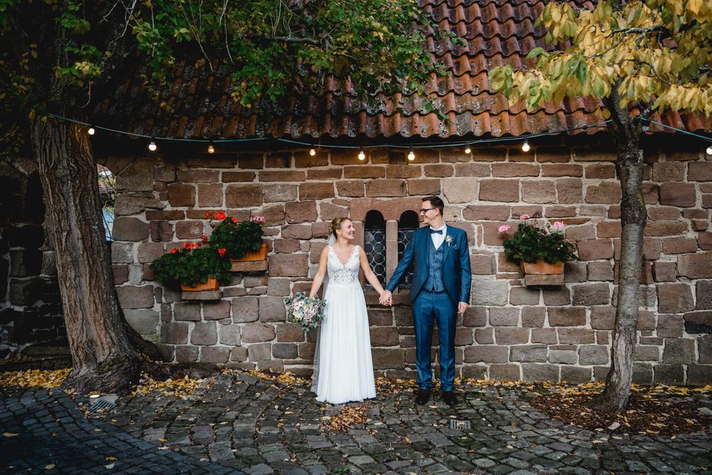 Bad-Emstal-Hochzeit-Brautpaar-Lichterket