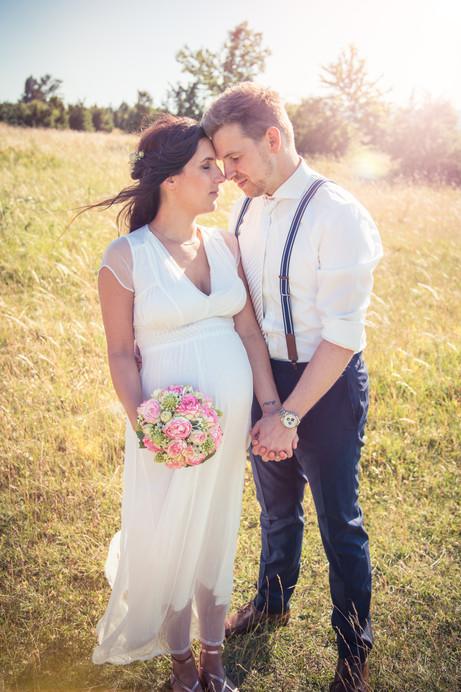 Licht | Brautpaar | Hand in Hand