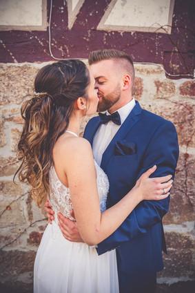 Kuss | Fachwerkhaus | Brautkleid