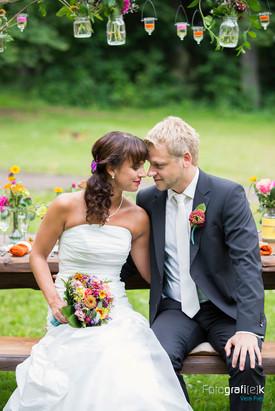 Brautpaarshooting   Naumburg   Holzbank