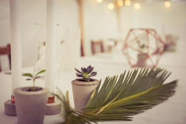 Boho-Hochzeit | Tischdeko | Beton