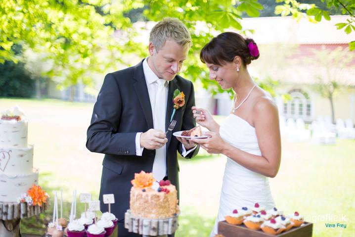Hochzeitstorte | Hochzeitsreportage | Brautpaar
