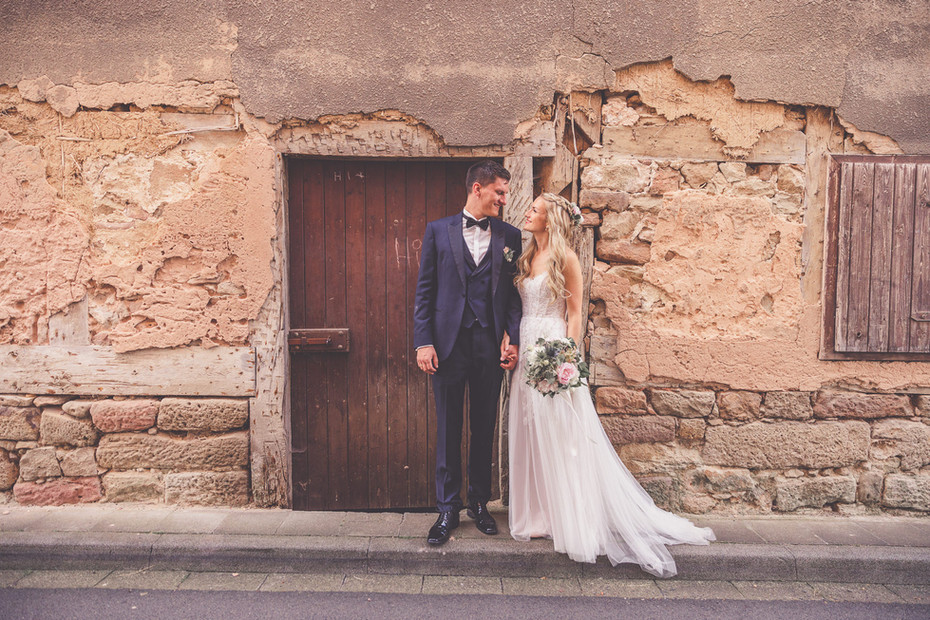 Hochzeitsfotos   Holztür   Vintage