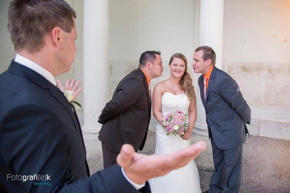 Kuss | Braut | Trauzeugen