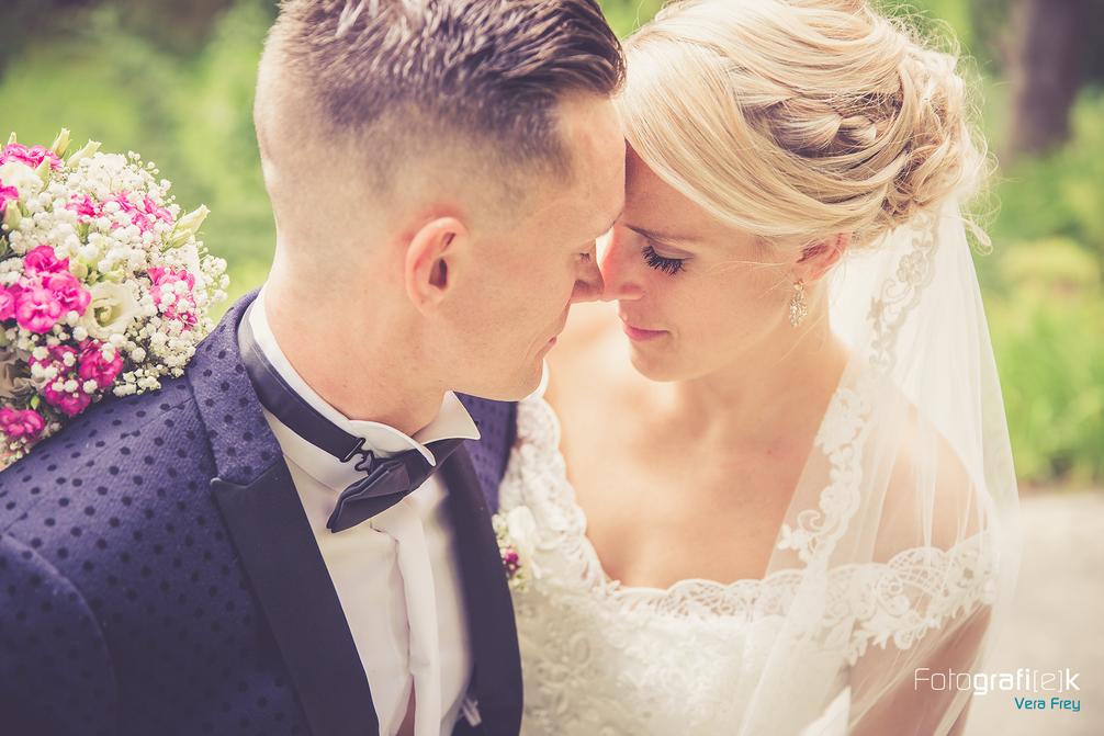 Brautpaarshooting | Kassel | Insel Siebenbergen | Blumeninsel