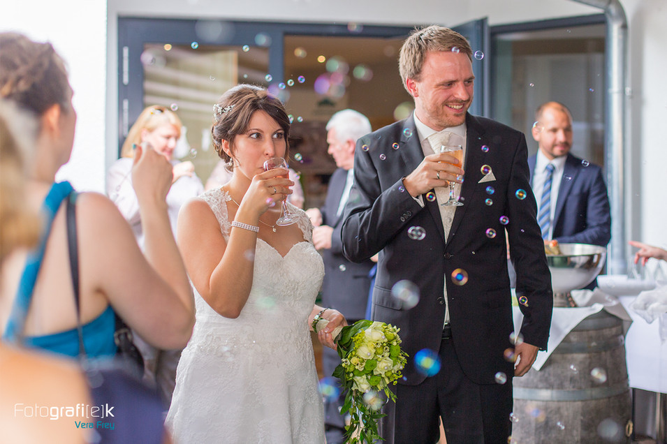 Sektempfang | Seifenblasen | Brautstrauss