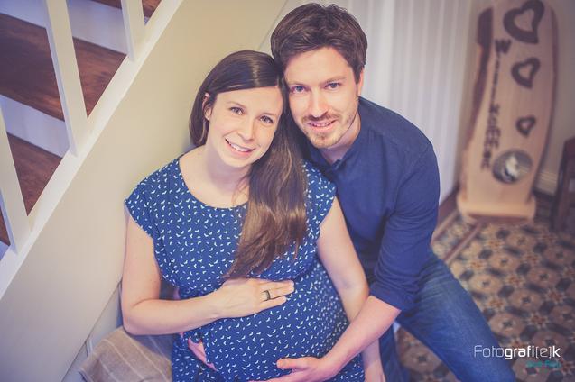 Babybauchshooting   Fachwerkhaus   Kleid