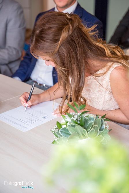 Braut   Standesamt   Unterschrift   Kaufungen