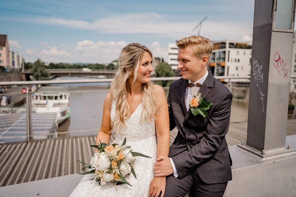 Brautpaar-Hochzeit-Kassel-Fulda-Brücke-