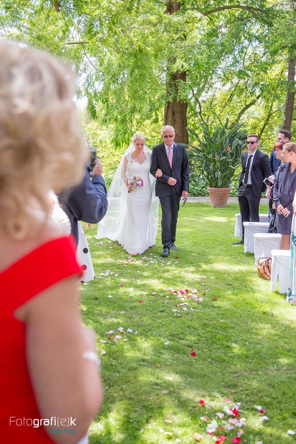 Braut | Brautvater | Einzug