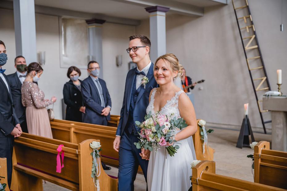 Prautpaar-Auszug-Kirchliche-Trauung-Fuld